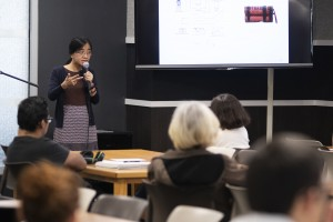 """Professor Thuy Linh Nguyen giving a presentation."""