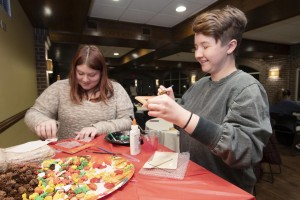 Mount students give thanks