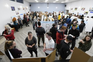 Mount students present recent research