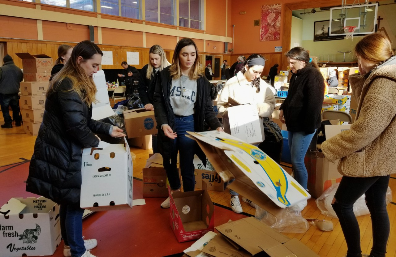 MSMC students help sort hundreds of pounds of food